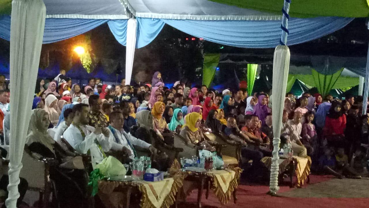 Walikota dan Wakil Walikota menyaksikan paduan suara SMK Muh 1 menyanyikan lagu Sang Surya